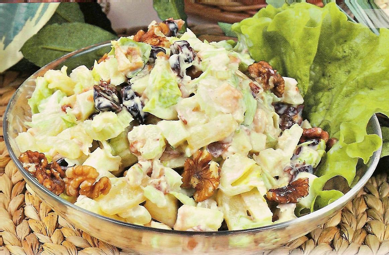 Салат с грецкими орехами курицей и ананасом рецепт пошагово 7