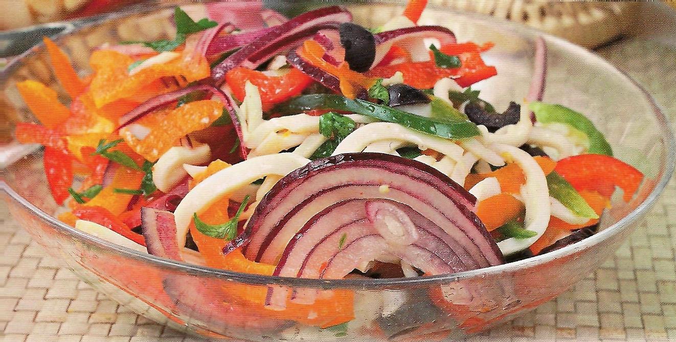 рецепт салата из фунчозы с кальмарами